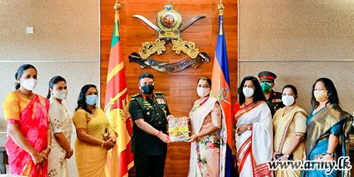 இராணுவ சேவை வனிதையர் பிரிவு  மகளிர் குழுவினர் 37 வது ஆண்டு பூர்த்தி விழாவில்  தளபதியுடன்