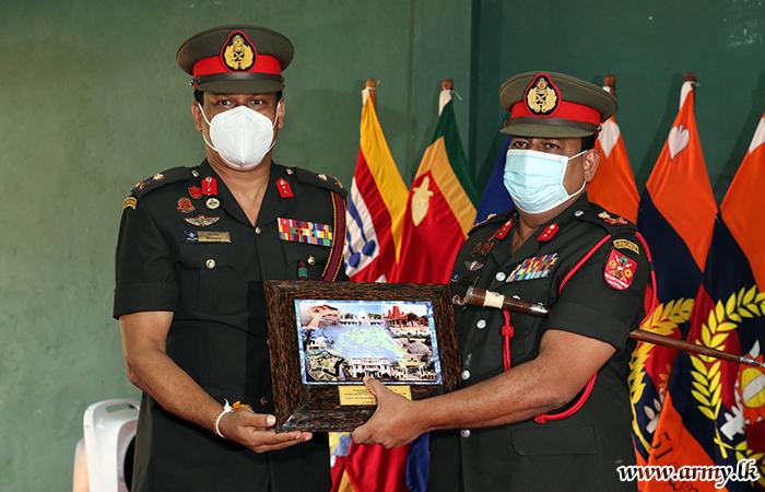 New Jaffna Commander Makes Formal Visits