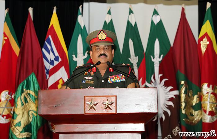 Jaffna Commander Makes Formal Visits