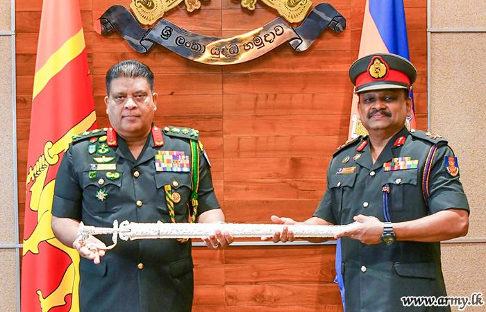 Retiring Maj Gen Handunmulla Receives Appreciative Compliments from Army Chief