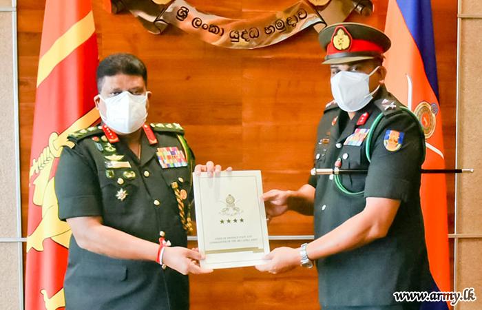 Army Chief Heaps Praise on Retiring Major General Keerthi Kottawatta