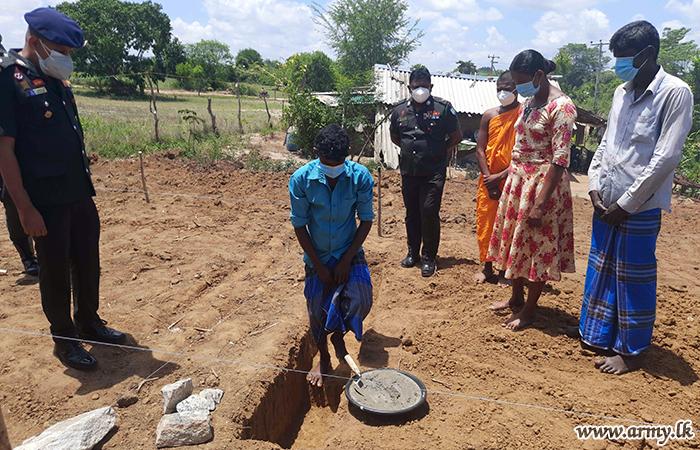 4 Gemunu Watch Troops to Build House for Unnachchiya Family