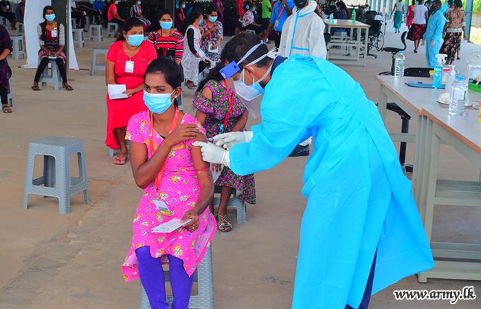 Garment Workers in Batticaloa Given Vaccines