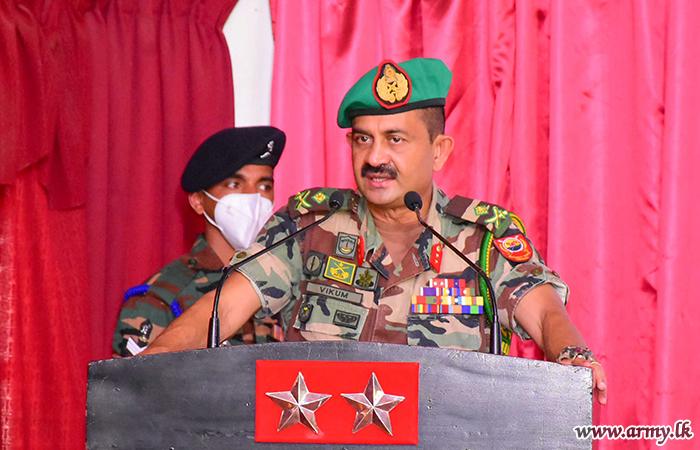 3 (V) SLAWC Troops Listen to Central Commander
