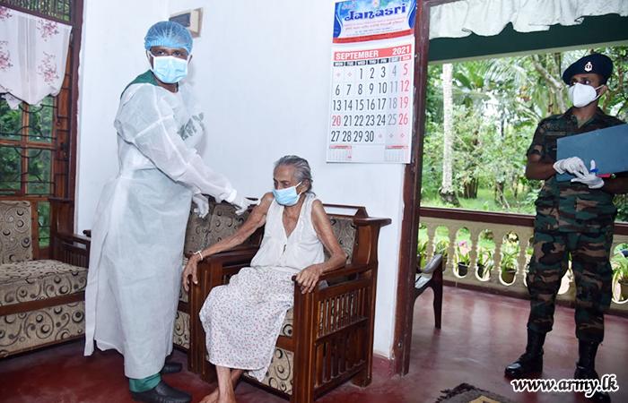 Army Mobile Vaccine Teams Jab Centenarian in Minuwangoda