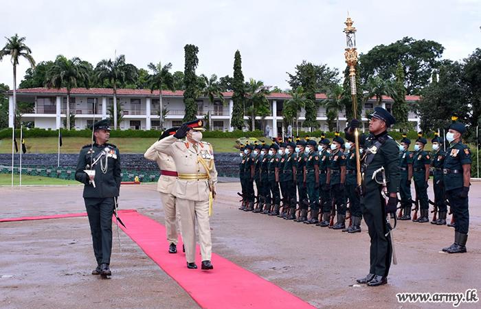 Outgoing Major General Indrajith Bandara Saluted at His Regimental HQ