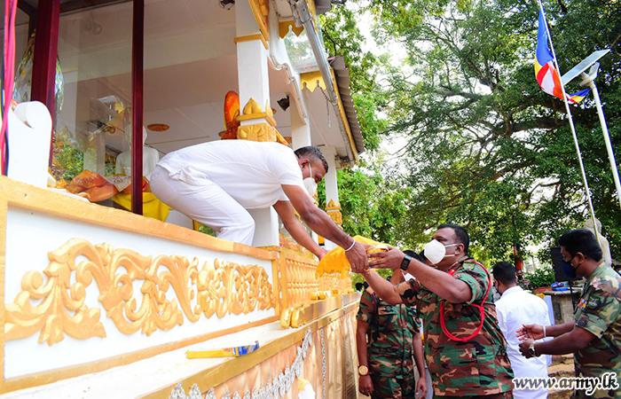 East Commander & Troops Pay Homage to 'Sanda Hiru Seya' Pinnacle