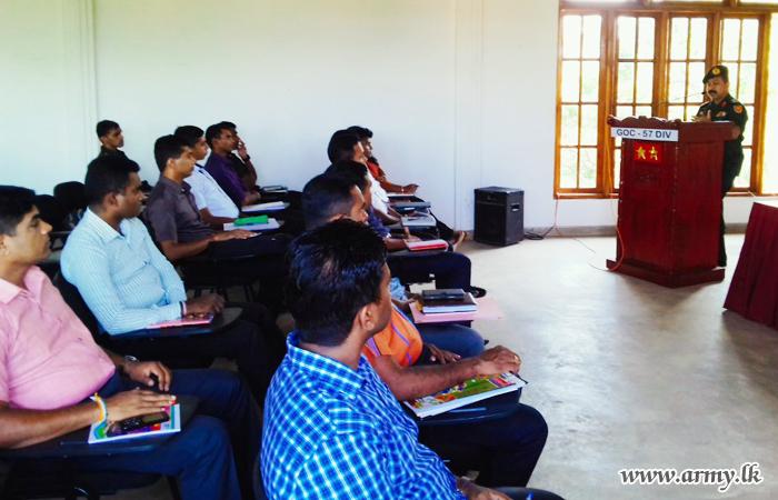 Kilinochchi Troops Refresh Knowledge on English & Its Usage