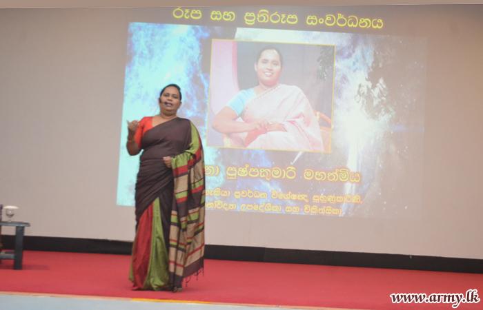 Jaffna Troops Learn about 'Personality Development'