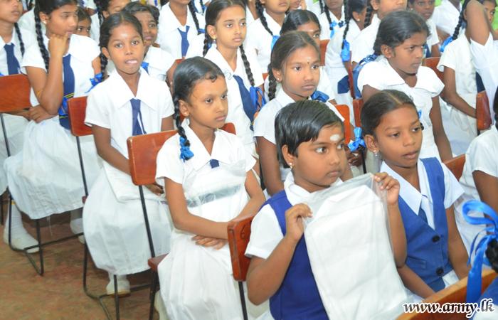 724 More Jaffna Students Get Incentives for Studies