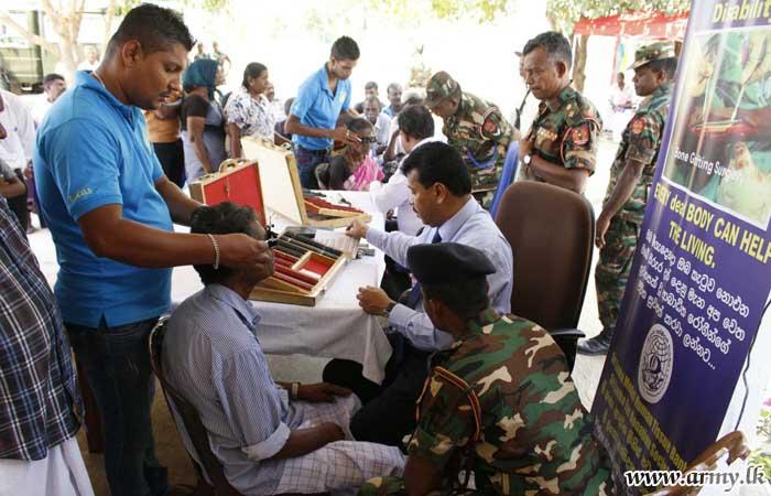 55 Division Coordinates Free Supply of Spectacles to 415 Marathankeni Civilians