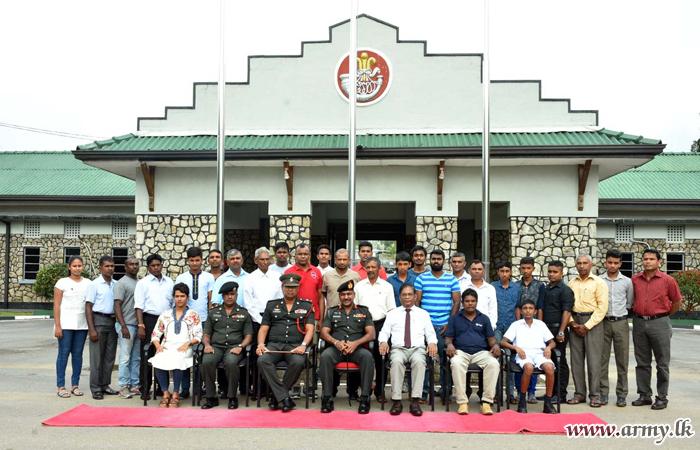 'Virujana' Awardees Refresh Their Future Leadership Skills