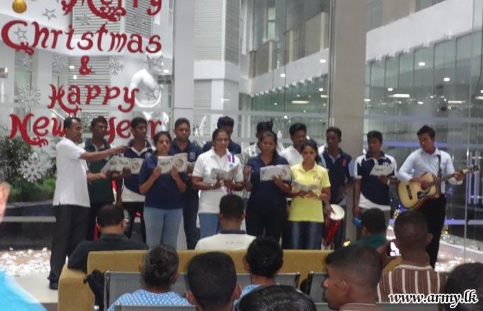 Army Hospital Holds Carols  Service