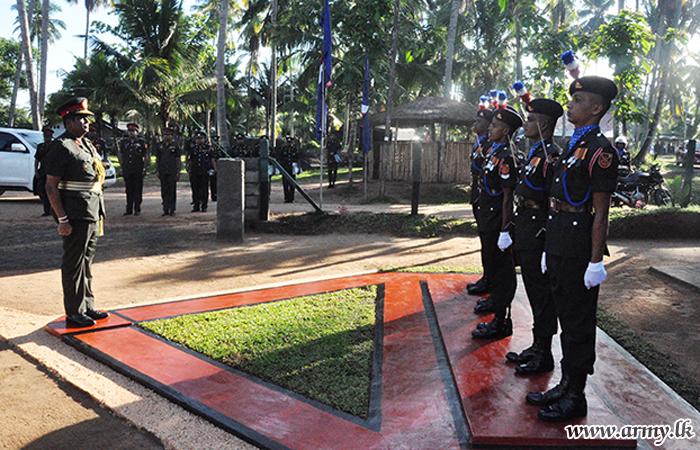 SLNG Colonel of the Regiment Arrives at SLNG Hqrs