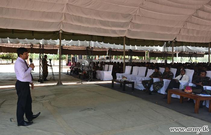 முல்லைத்தீவில் 'பேரின்ப இராணுவ வாழ்க்கை ' எனும் தலைப்பில் கருத்தரங்கு