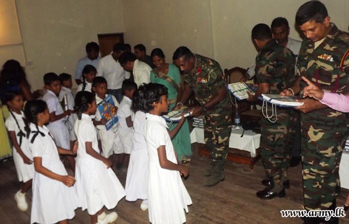 23 Division Troops Organize Book Donation to Aselapura Maha Vidyalaya in Welikanda