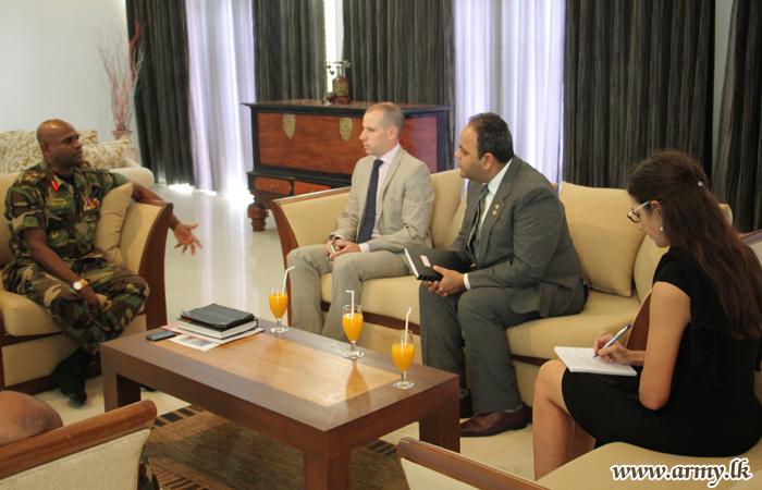 Canadian Diplomats Meet Jaffna Commander