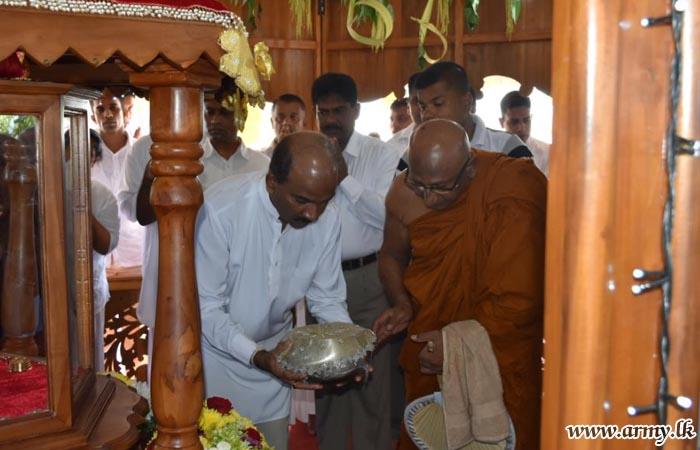 புத்தங்களை பௌத்த ஆரண்ய சேனாசனய புணிததந்த கண்காட்சி இராணுவ தளபதியினால் திறந்துவைப்பு