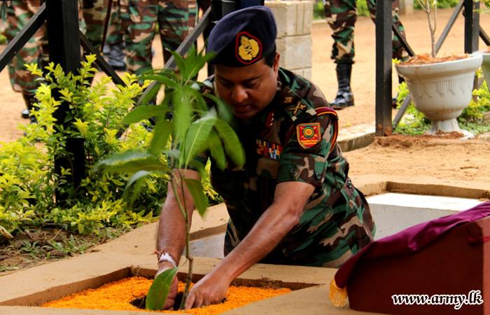Kilinochchi Commander Visits His Brigades & Units