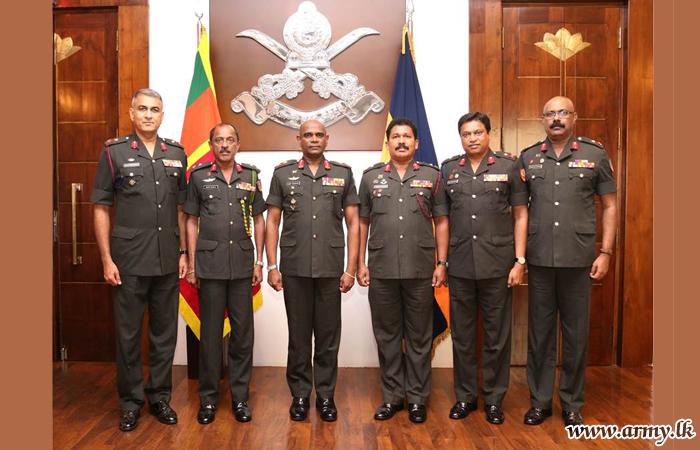 Commander Congratulates Newly-Promoted Major Generals