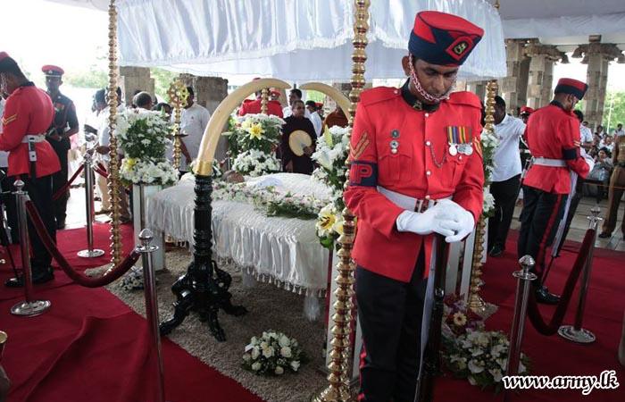 Military Honours Salute 'Helaye Maha Gandharwa' Pandith Amaradeva