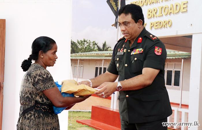 Jaffna Troops Launch Elaborate 'Deepavali' Festivities