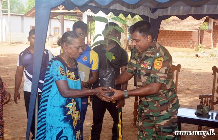 Troops Encourage Civilians for Cultivation of Jack in Kilinochchi