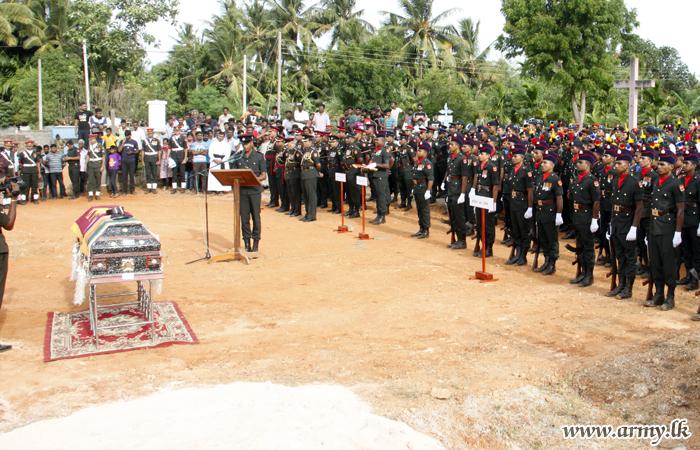 Jaffna Troops Bid Farewell to Retired Warrant Officer II