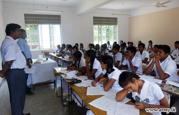 64 Division Helps O/L Students Organizing Seminar