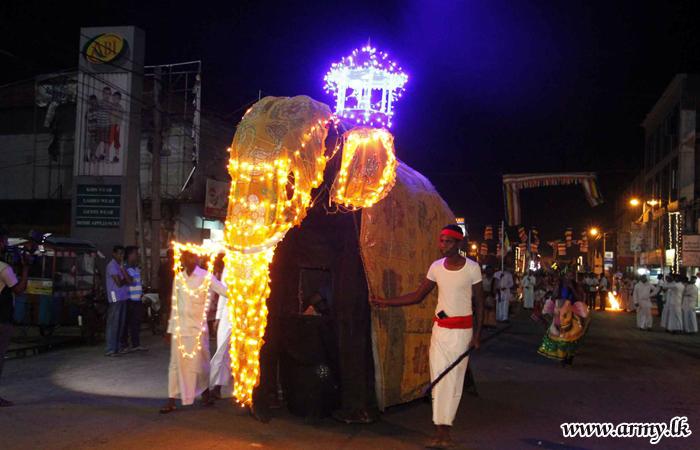 வருடாந்த உடுவப் பெரெஹரா யாழ் நாக விகாரையில் இடம் பெற்றது