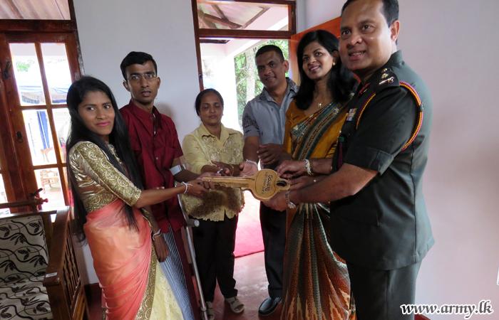 Philanthropist Gifts New House to Dependent War Hero