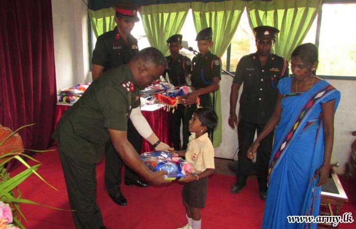 Troops Initiate Distribution of Accessories to 'Veediweli' Pre-School Kids