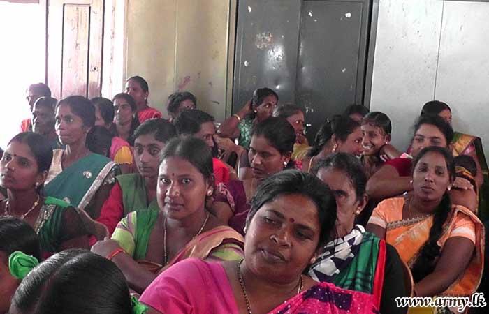 Needy Students in Kilinochchi Get School Accessories