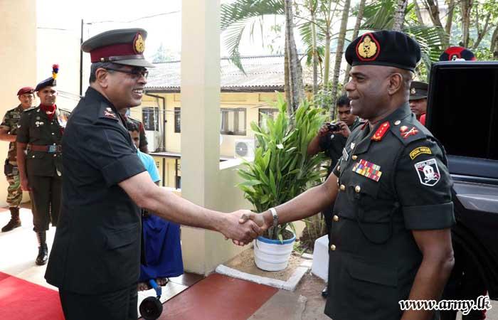 Commander Meets Ragama 'Ranaviru Sevana' Inmates