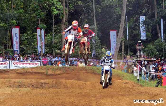 Vijayabahu Motor Cross Dazzles Boyagane Motor Racing Fans
