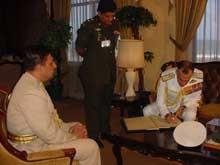 Indian Naval Chief Admiral Arun Prakash meets acting Army Commander
