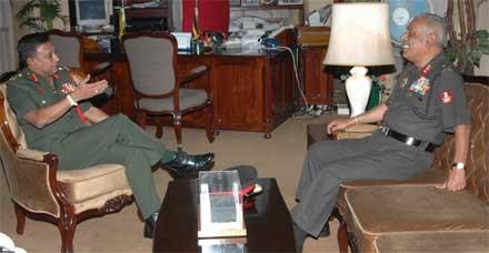 Commander receives Indian Military delegates